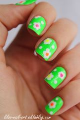 https://liloonailart.wordpress.com/2012/11/02/moyra-66-neons-nail-art-flower-power/