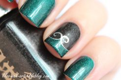 https://liloonailart.wordpress.com/2012/11/02/saint-george-et-bridal-veil-en-accent-nail-a-england/