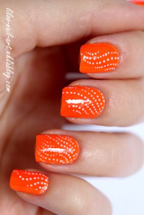 https://liloonailart.wordpress.com/2012/11/02/moyra-neons-63-et-wd-polishinail-shop/