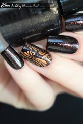 nail art accent nail virgules