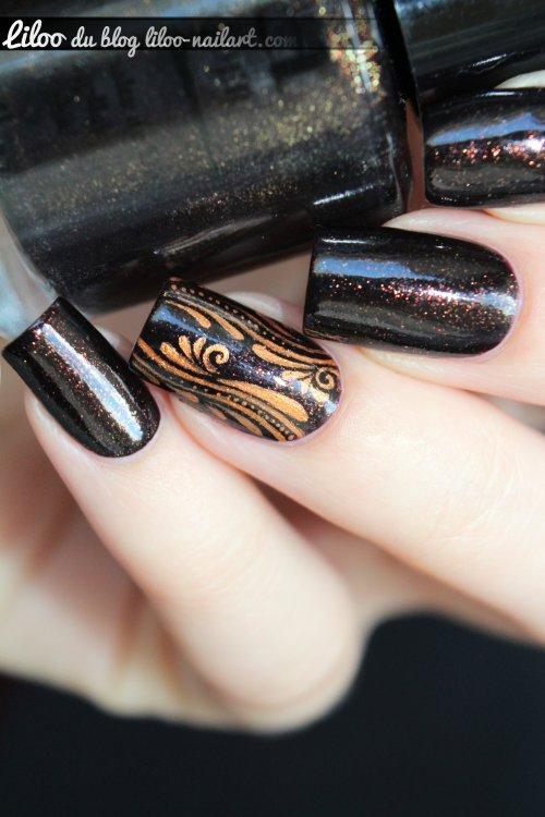 nail art accent nail virgules