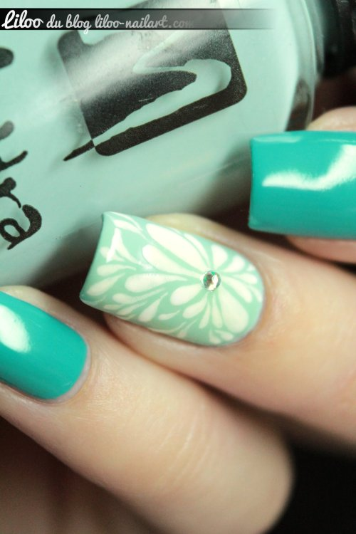 virgules gouttes Moyra liloo  nail art